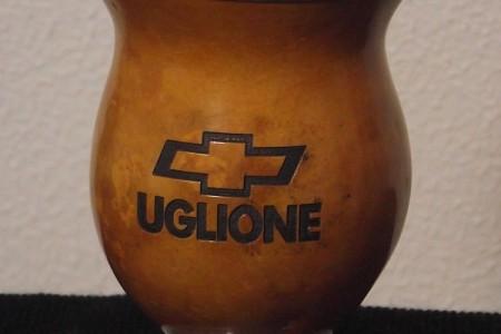 CP(o) – Cuia casco fino natural com gravação a laser (logotipo) com pé de alumínio e bocal de alumínio.