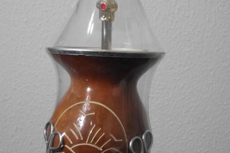 REF. 018 – Conjunto tradicional com cuia + suporte + bomba.